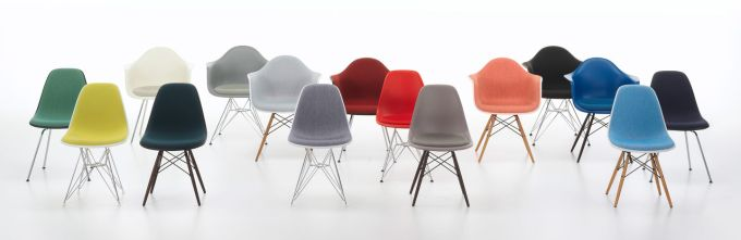 Eames Molded Plastic Side Chair_03