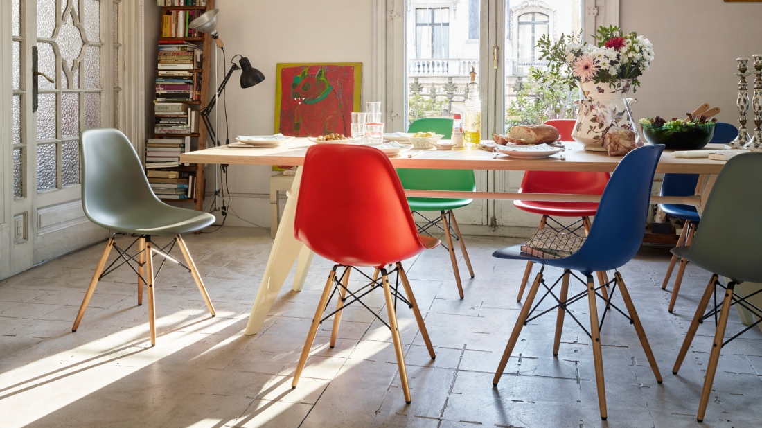 Eames Molded Plastic Side Chair_06.jpg