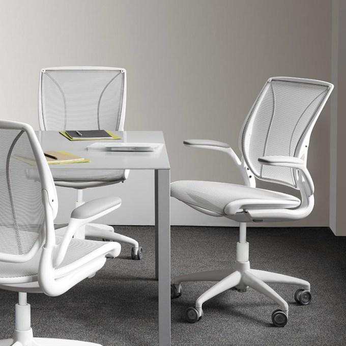 World Task Chair_02